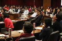 邀請黃越綏老師就「如何重新燃燒服務熱情-了解大學生現況及如何對話」專題演講