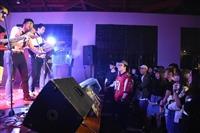 萬獸西音7樂團登台接力演唱