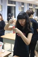 美術社製作天氣瓶活動