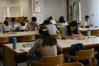 期中考前圖書館盛況