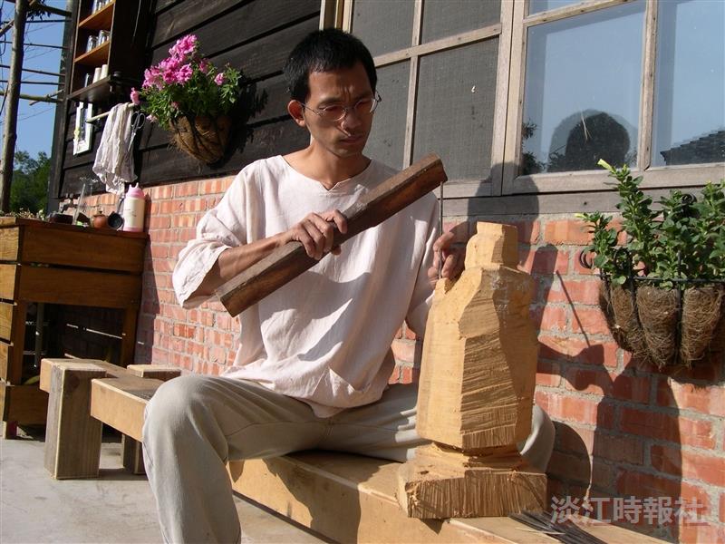 木雕藝術家林進昌 用木頭雕繪人生面容 傳達藝術精神