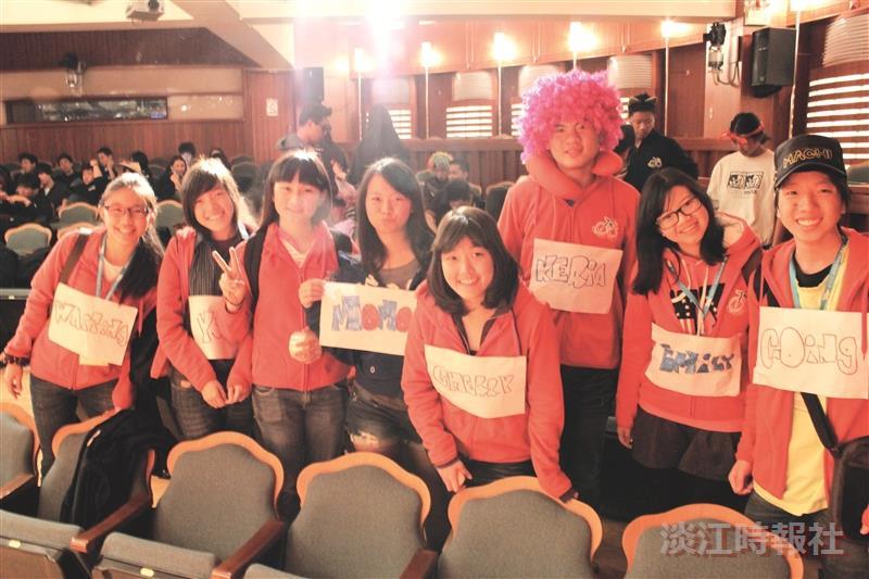 海外華裔青年觀摩團的112名學員,在臺21天的行程,全台走透透,完全體驗臺灣之的風土之美。(圖/成教部提供)