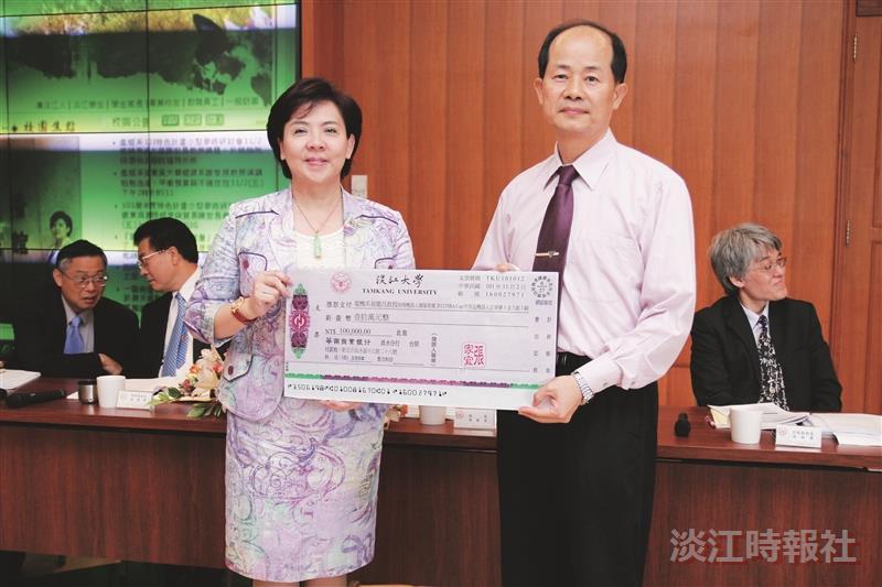 機器人團隊獲5金 張校長頒200萬獎勵
