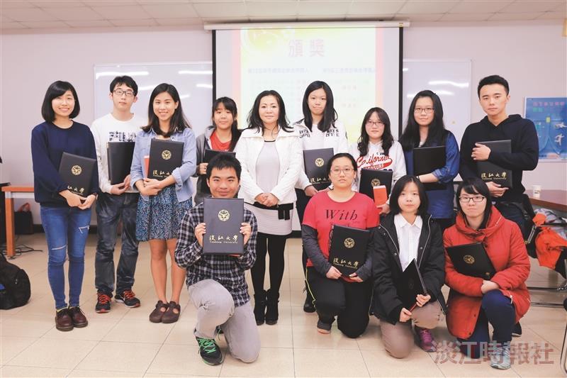 Li-chou Gao Scholarship Awarded to 10 Singaporean Students
