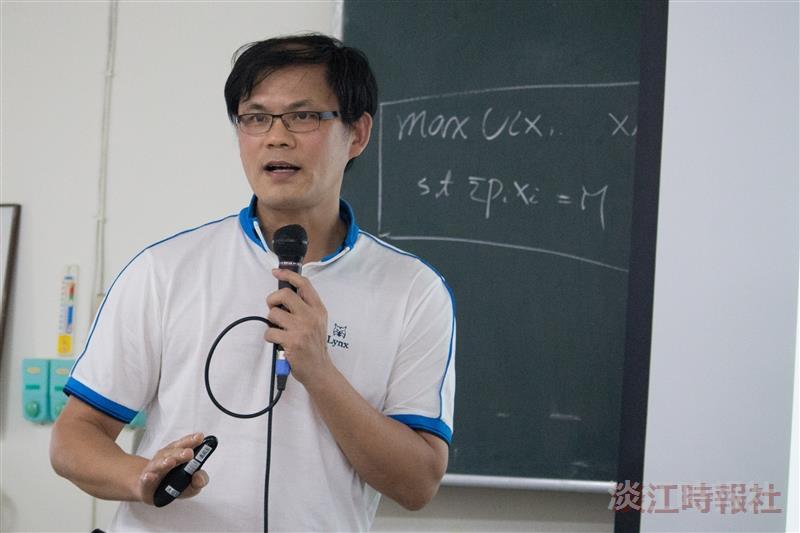 中央研究院經濟所研究員林忠正 挑戰新古典經濟學的分析架構