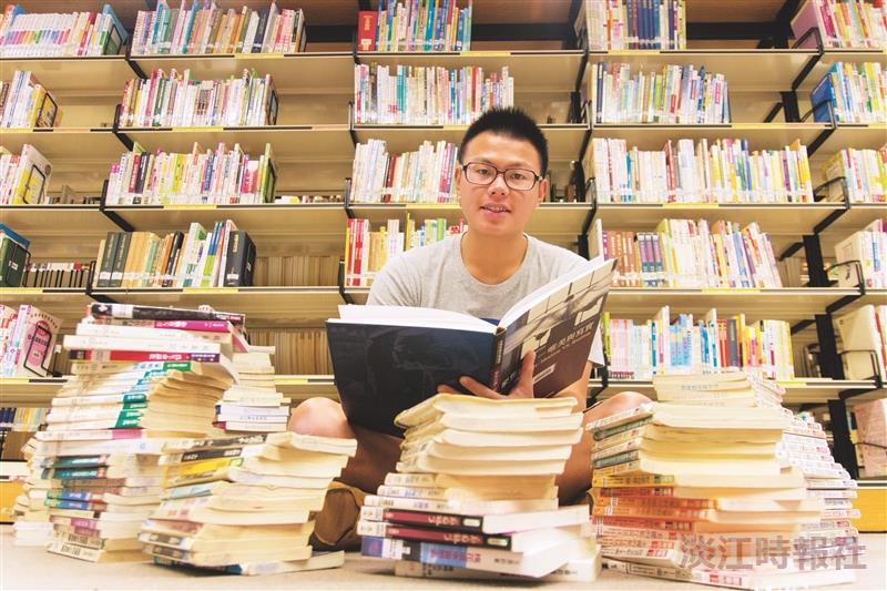 讀書好,神 中文三盧逸峰借閱破千本