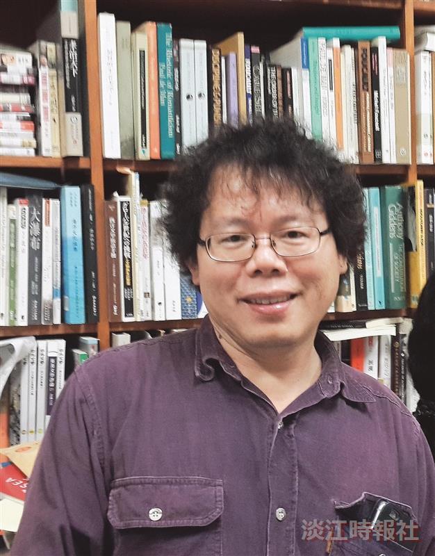 英文系主任蔡振興