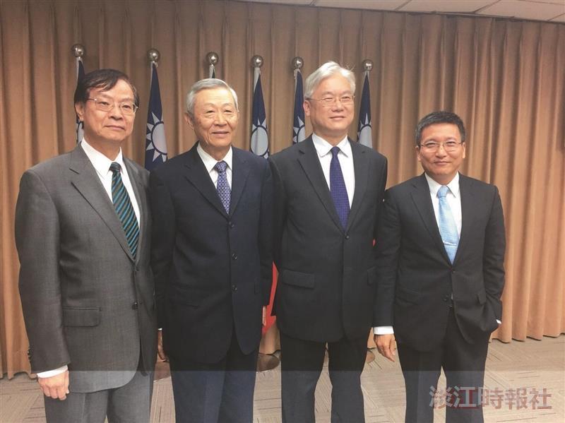 張五岳、趙春山 獲一等大陸工作專業獎章