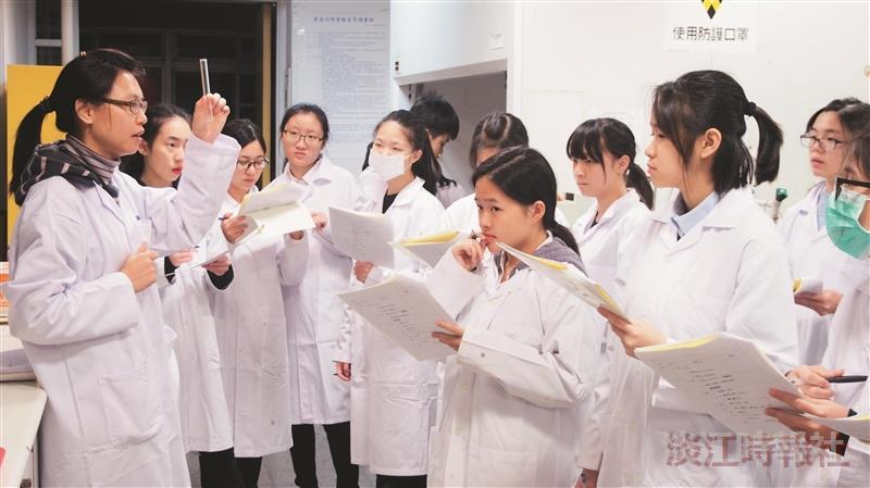 化學系聖心女中合辦科學營
