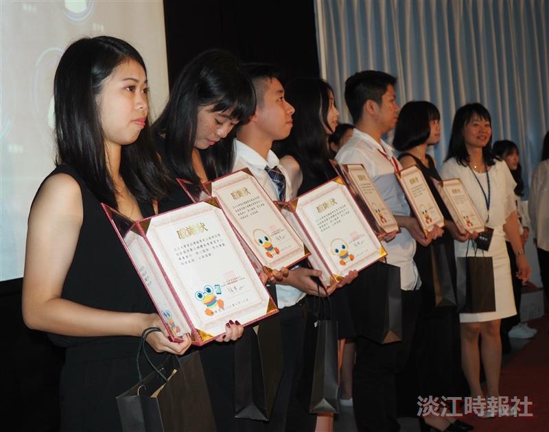105學年度資傳系自辦畢業典禮