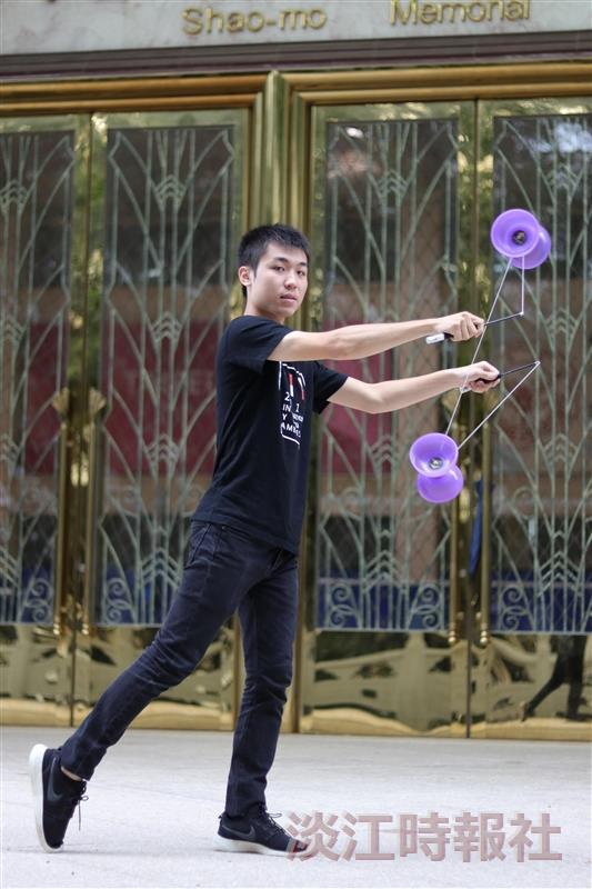 化材二劉守翔入 選外交部106年國際青年大使