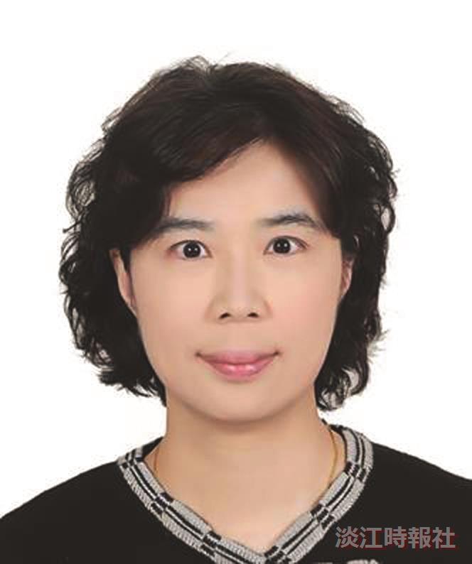 產業金融暨經營管理博士學位學程主任陳玉瓏