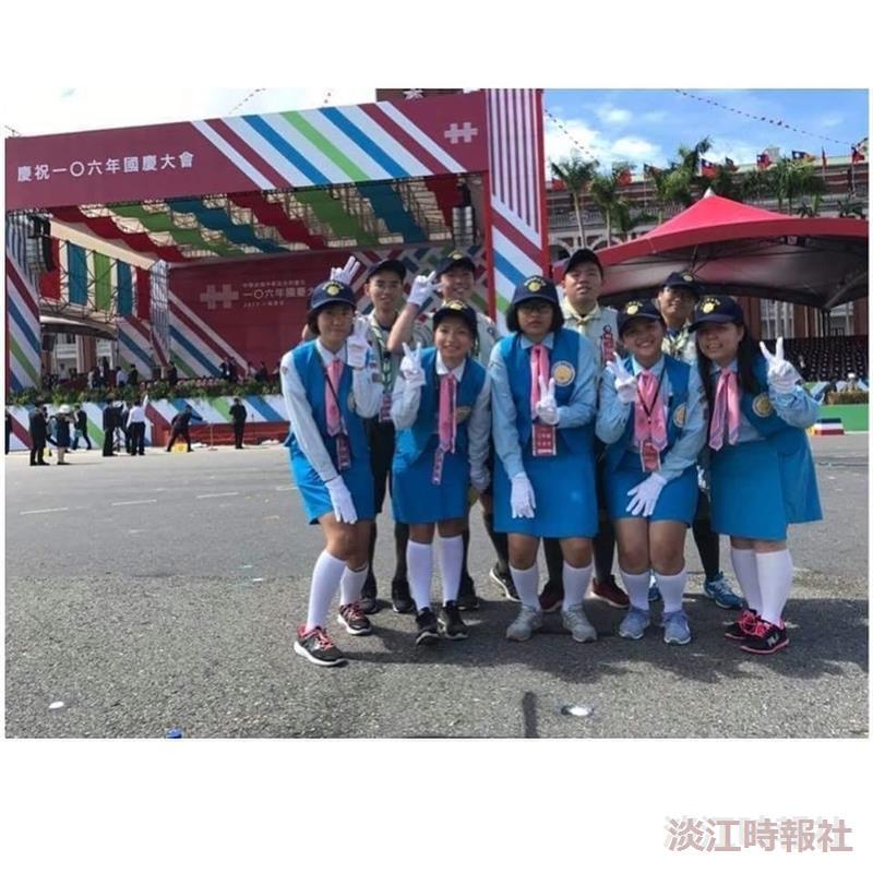 五虎崗童軍團10人於10/10參加國慶大會、服務接待貴賓