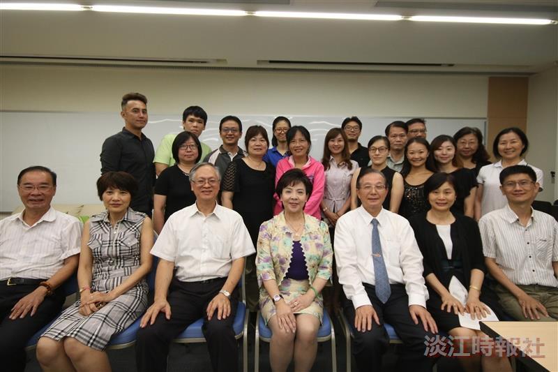 106教育學院1於ED601舉辦博士班迎新活動