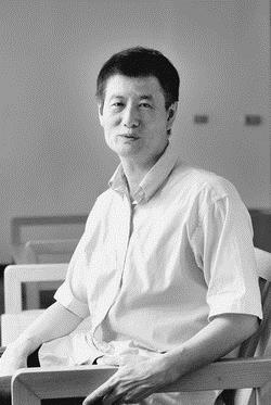 年過六旬,劉鈞憲在業界歷練多年後,重返學生生涯,樂當全職博士生。(圖�黃士航)