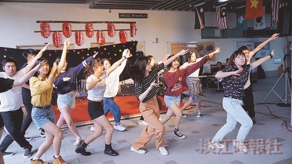 蘭陽校園以三全特色歡慶園遊會