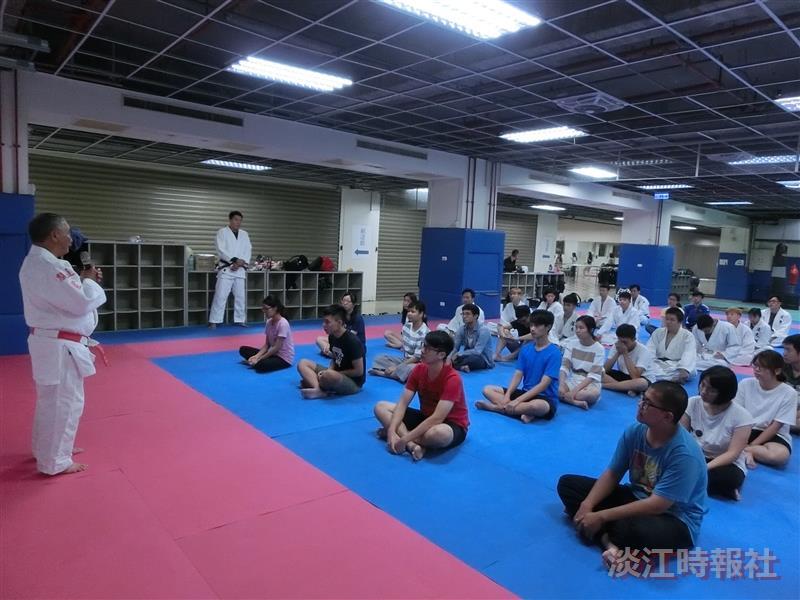 柔道社示範柔道基本技巧