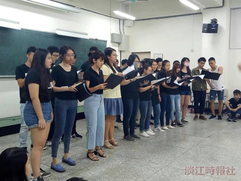 合唱團迎新獻唱祝福