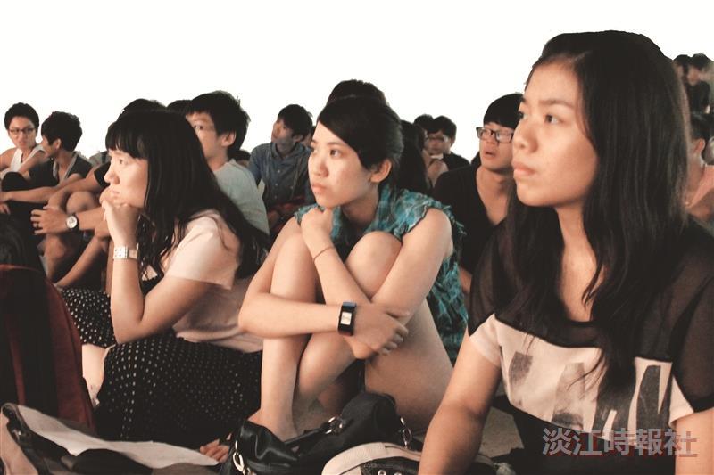 社團迎新表演超吸睛,新生看的目不轉睛!(攝影/張峻銓)