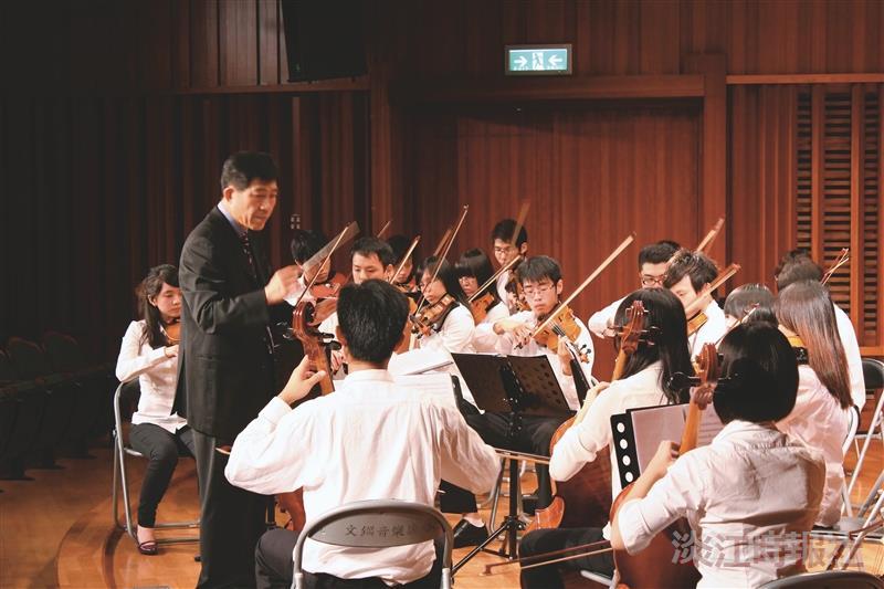 本校弦樂社與大同大學弦樂社首次合作,精采曲目表演讓觀眾大飽耳福!(攝影/李鎮亞)
