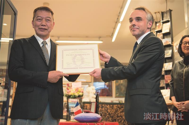 本校第3人再獲法國殊榮 吳錫德獲法教育榮譽騎士勳位