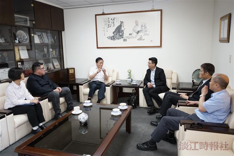 微軟專家技術部總經理胡德民來校拜訪校長