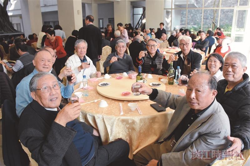 160退休人員歡聚聯誼