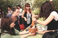 外籍生體驗客家文化 土窯 麻糬 農村樂