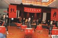 北加州校友會的舉辦「2012年會暨新春聯歡會」中,大鼓表演展現出新春的精氣神。(圖/北加州校友會提供)