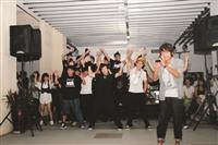 熱舞社精彩的表演,結合現代舞的技巧和Live演唱的方式,帶動了活動的現場氣氛,加上學長姊與學弟妹們的聯合表演,更拉近觀眾和舞台表演的距離。(圖/蘭陽校園提供)