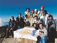 羅浮群、資深女童軍團於96年8月曾登上玉山,感受玉山之美。(圖/淡江大學童軍團提供)