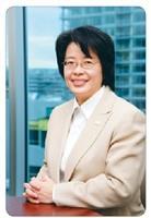 校友孫光芬自立創業 於溫哥華獲傑出女性