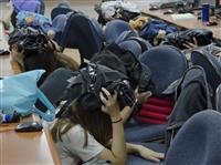 地震避難掩護演練