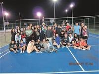 蘭陽校園於上月19日至22日舉行菁英盃排球錦標賽,並於27日賽果出爐,由教聯隊獲得冠軍、觀光系為亞軍、資創四為季軍,及殿軍資創一。本次比賽是採男女混合及循環賽制,以促進各院系師生的球技和情感交流,藉由大家團隊合作,讓球賽變得有趣而溫馨。(文/楊志偉、圖/蘭陽校園提供)
