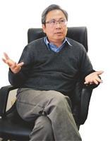 江正雄 理論生活化 激發學生思考