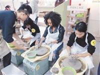 國際大使團領生探索台北
