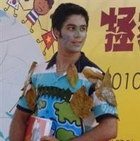 成教部華語班學生古艾柏,參賽的裝扮。(圖�成教部提供)