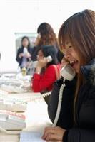 課外組與中華電信上週三(7日)在商館前主辦的「中華電信電話孝親活動」反應熱烈。