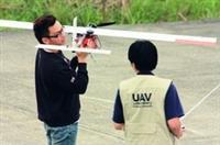 本校航太系組隊於日前參加「2009台灣無人飛機設計競賽」,獲視距外飛行組亞軍。(圖�航太系提供)