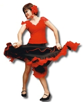EMBA歲末聯歡晚會,結合社區舞蹈班表演佛朗明哥,舞熱全場。(攝影�吳佳玲)