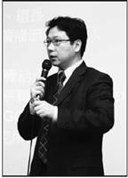 財經晚點名主持人阮慕驊就目前經濟趨勢,分析要在職場闖出一片天,應具備的職場技能、特質與觀念。(攝影�黃士航)