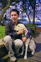 新導盲犬Effem接替成為張國瑞的導盲犬,個性愛撒嬌。(攝影�吳佳玲)