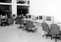 實驗室在重新規劃之後,空間變得寬敞舒適。
