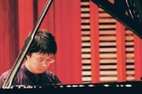 年輕音樂家陳世偉,演奏貝多芬、蕭邦、李斯特等大師的作品,讓聽眾如痴如醉。(圖�王文彥)