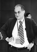 美國新聞及世界報導雜誌社主任Robert Morse認為,大學排名開啟大學間競爭的風氣。