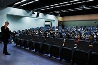 國際大使團名人講座_目前任嶺東科大和台中家商的韓文老師金炳秀