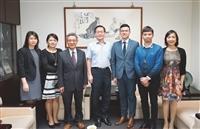 香港經貿辦事處來校拜會 探訪港生
