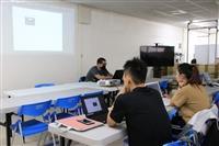 研發處舉辦「木作質感 客製化行李吊牌 DIY」活動-1