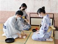 日本文化研究社舉辦「卯月、花時」茶會:向老師奉茶感謝教導,並體驗日本茶道文化