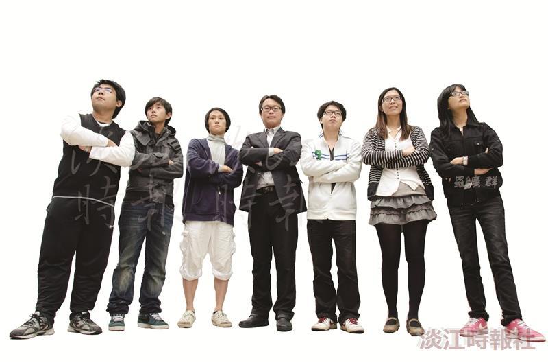 圖為本校其中7位100學年度優秀青年,分別為曹凱嵐、葉星志、高鼎鈞、邱崇宇、林建宏、古筱筠、崔婷茹(由左至右)。(攝影/羅廣群)